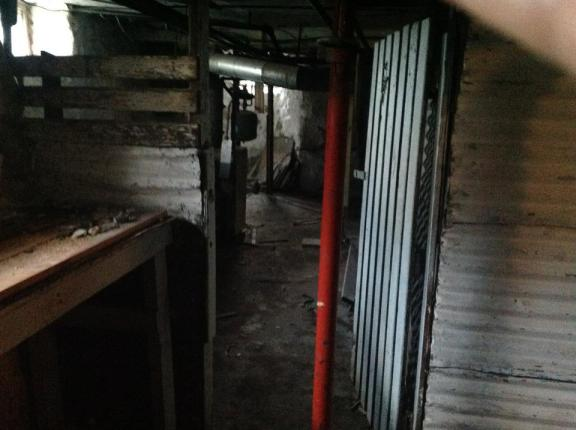 Doesn't this look like a creepy murder room?  Oh wait, it probably was one.